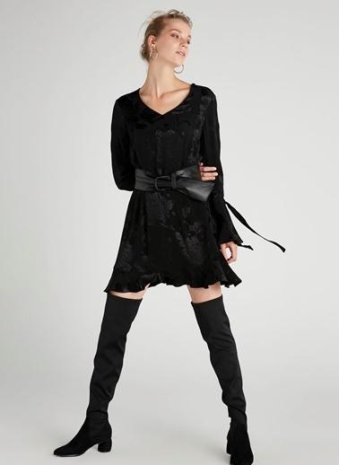 V Yaka Mini Elbise-Ipekyol